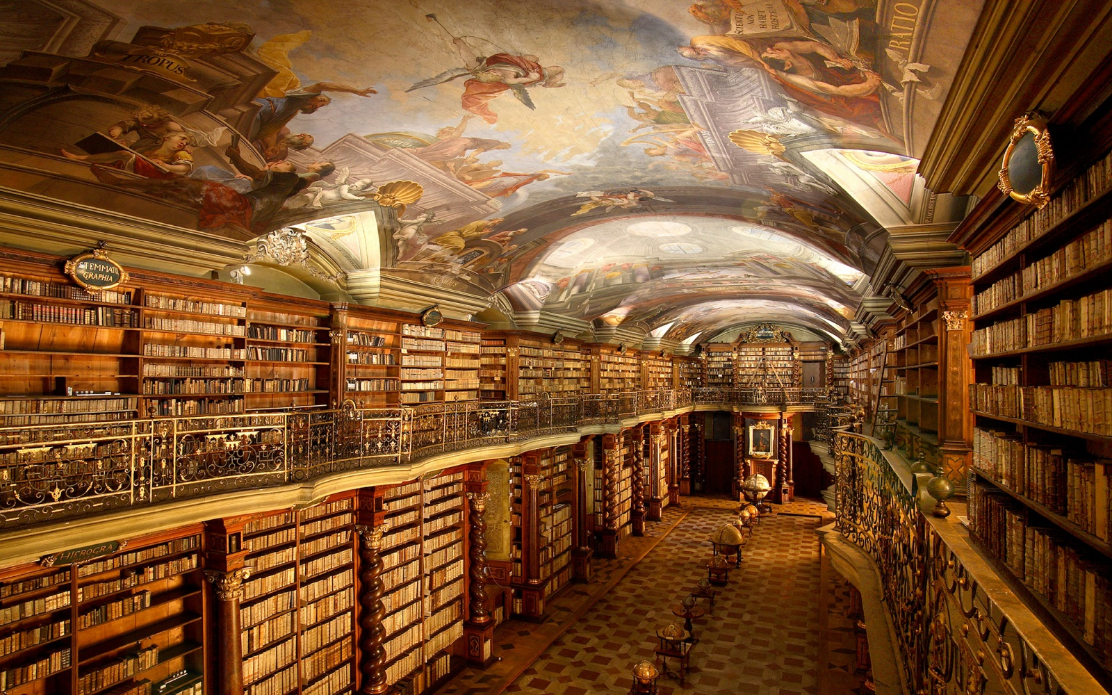 Stupendous 20 Libraries So Beautiful Theyll Bring Out The Bookworm In Largest Home Design Picture Inspirations Pitcheantrous