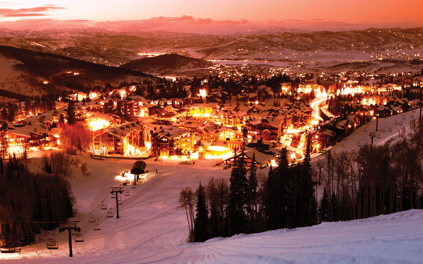 America's Best Towns for the Holidays | Travel + Leisure