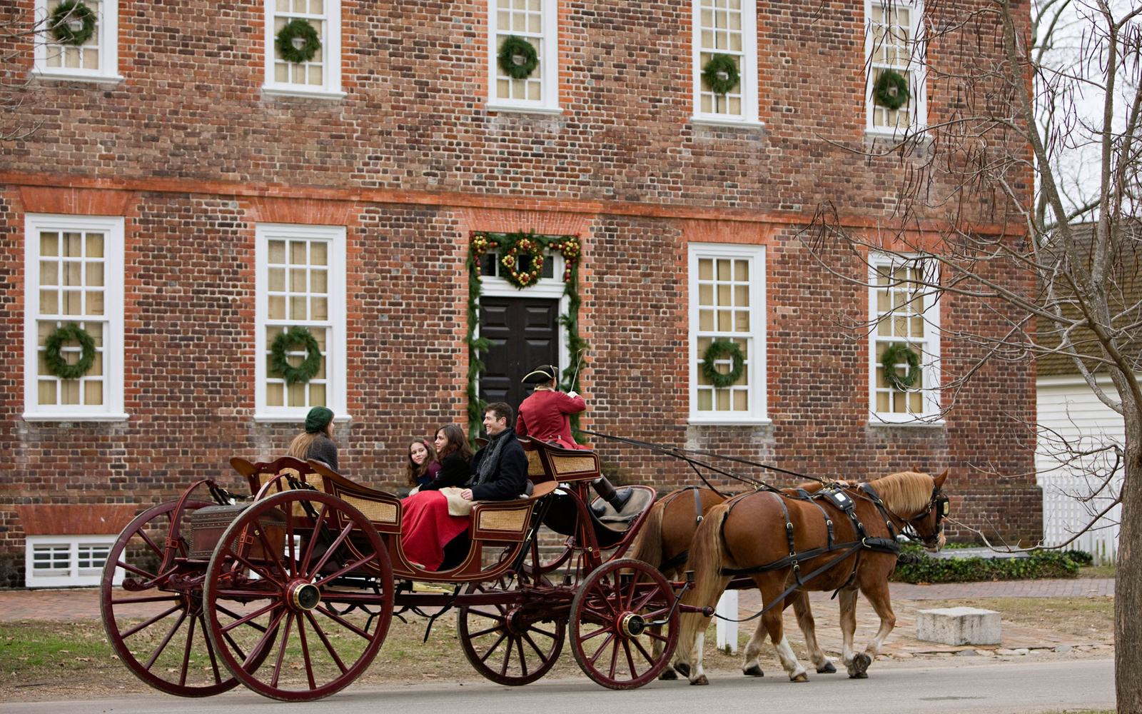 America\'s Best Towns for the Holidays | Travel + Leisure