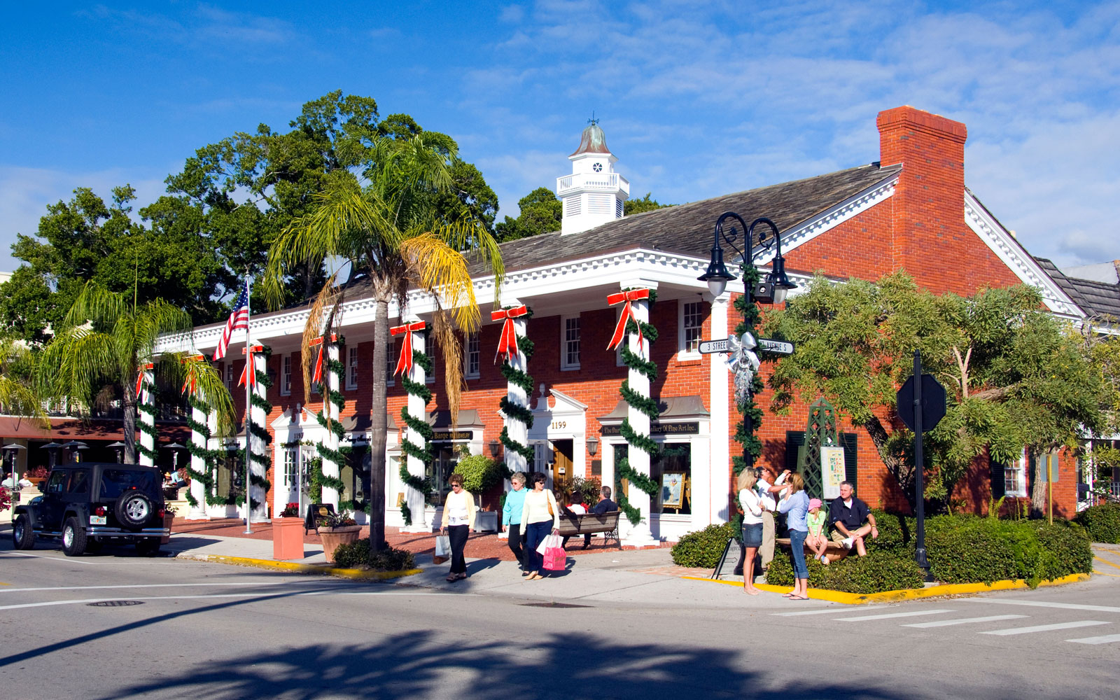 Americas Best Towns For The Holidays Travel Leisure