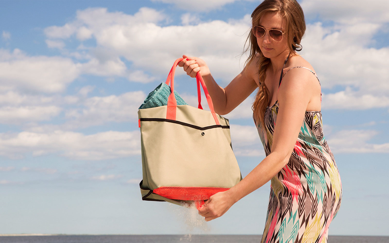 Shake Beach Bag gifts for travelers