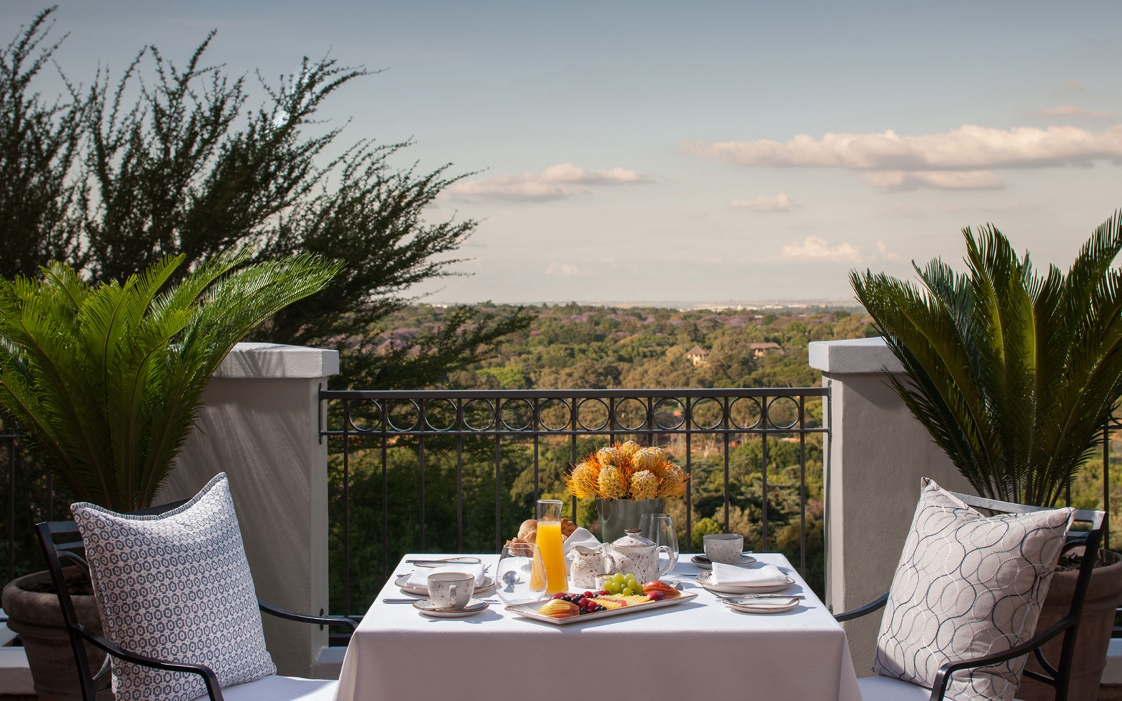Four Seasons Hotels & Resorts in Johannesburg, SA