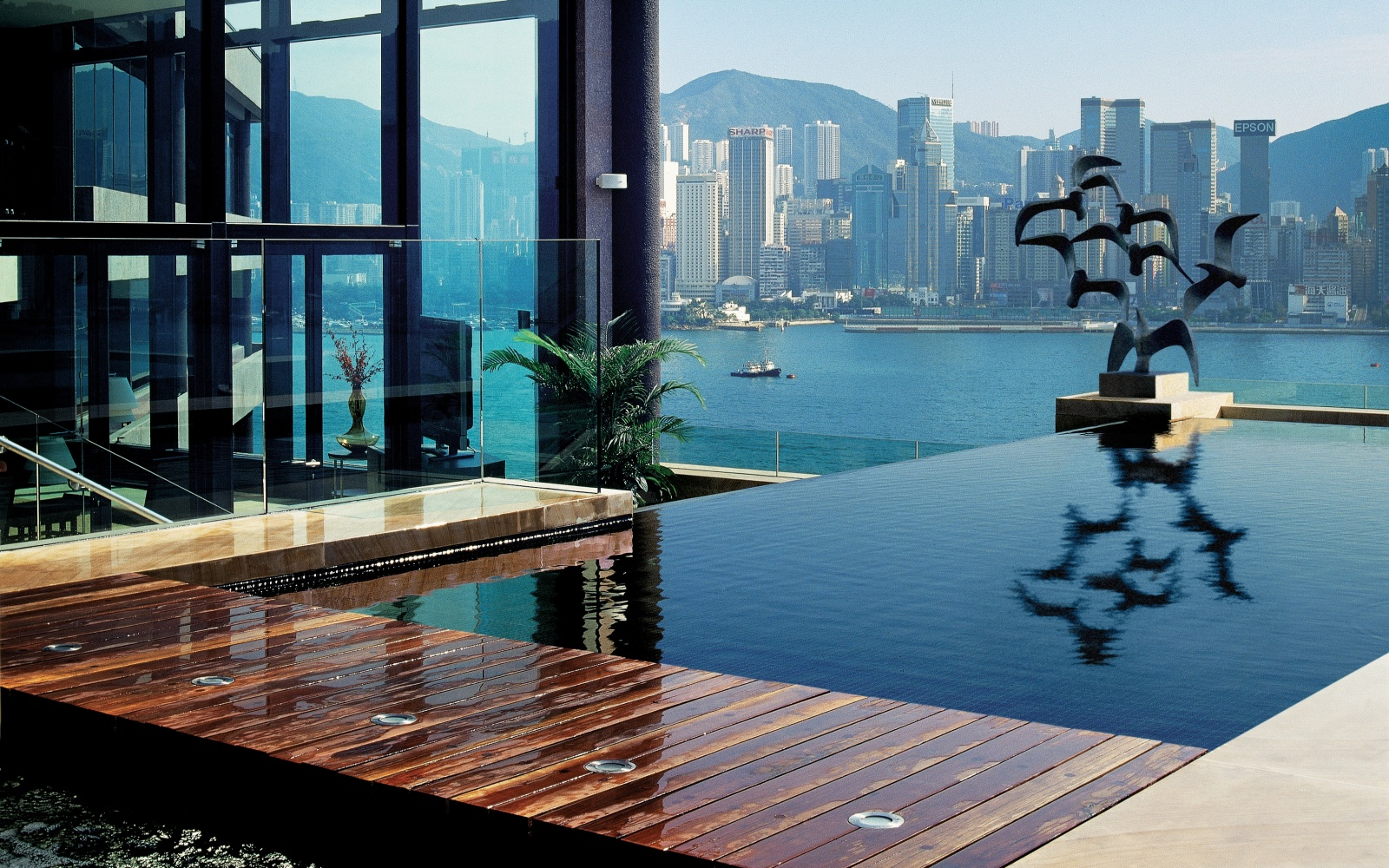 Infinity Pool Chicago s coolest plunge pools travel leisure