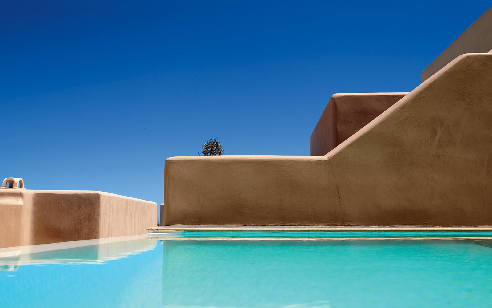 Voreina Gallery Suites pool