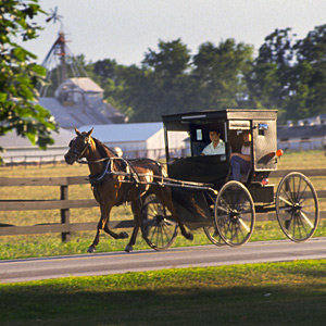 201205-wg-chicago-amish-country-shipshewana