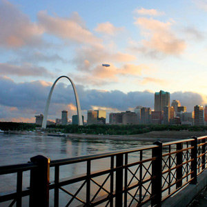 201205-wg-chicago-st-louis-by-air-land