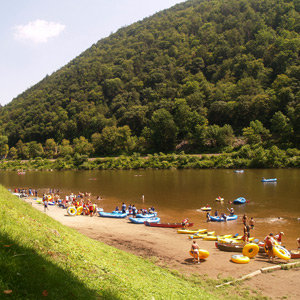 201205-wg-new-york-tubing-delaware-river