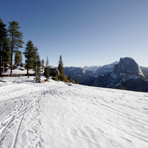 201205-wg-san-francisco-skiing-in-yosemite