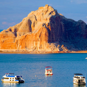 201208-wg-phoenix-boating-lake-powell
