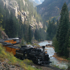201208-wg-santa-fe-riding-the-rails-in-durango
