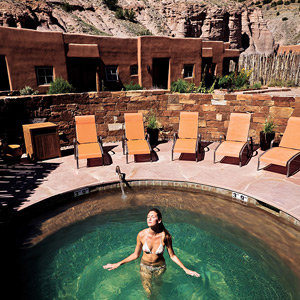 201208-wg-santa-fe-the-hot-springs-of-ojo-caliente