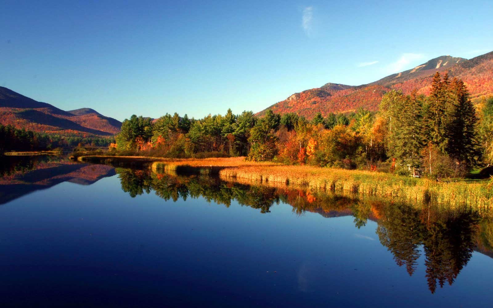 201408-w-towns-fall-colors-lake-placid