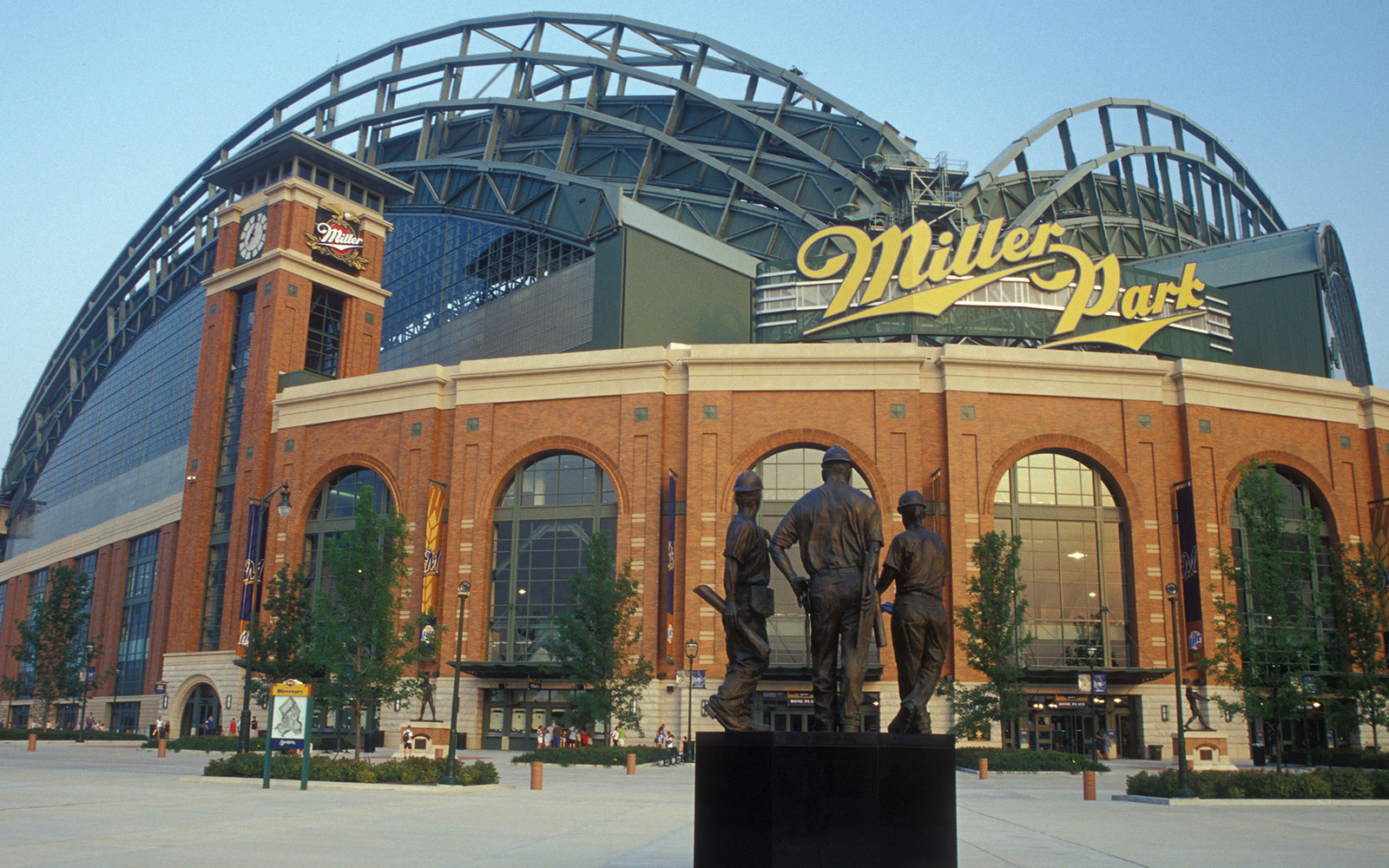 Miller Park: Milwaukee Brewers