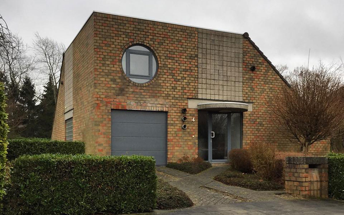An Interview With the Founder of 'Ugly Belgian Houses ...