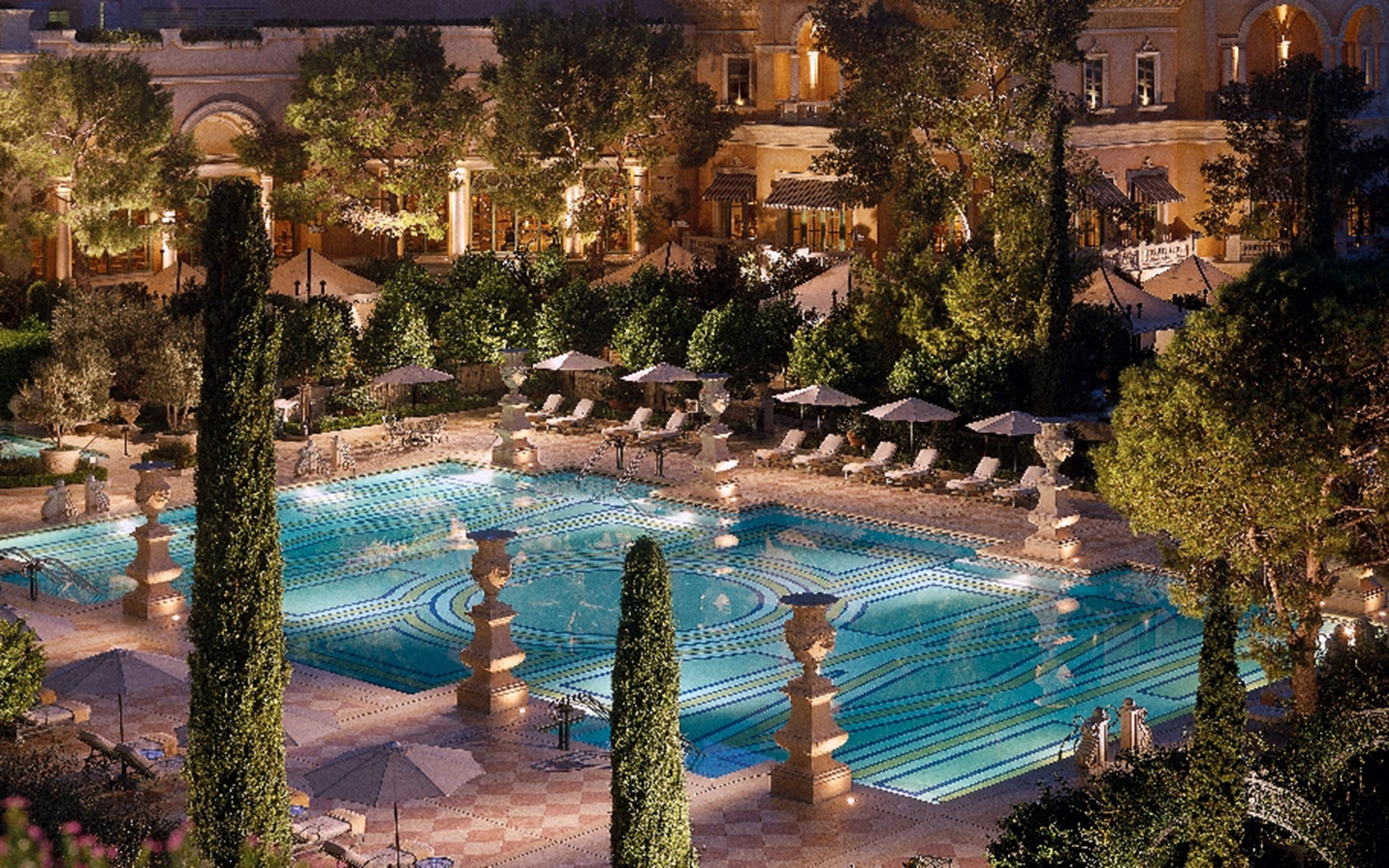 Vegas 39 best pools from dayclubs to djs travel leisure The best swimming pools in las vegas