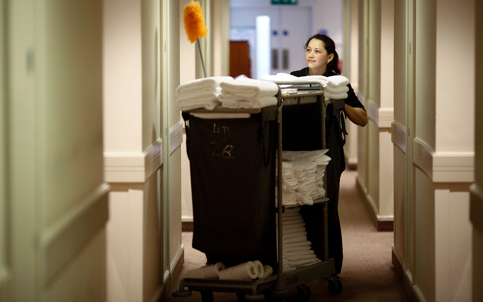 Resort Cleaning Services : Traveler finds ominous note in hotel room travel leisure