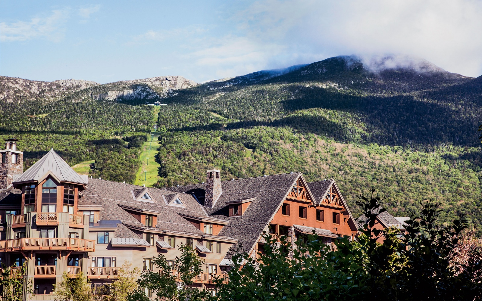 Stowe Mountain Lodge exterior