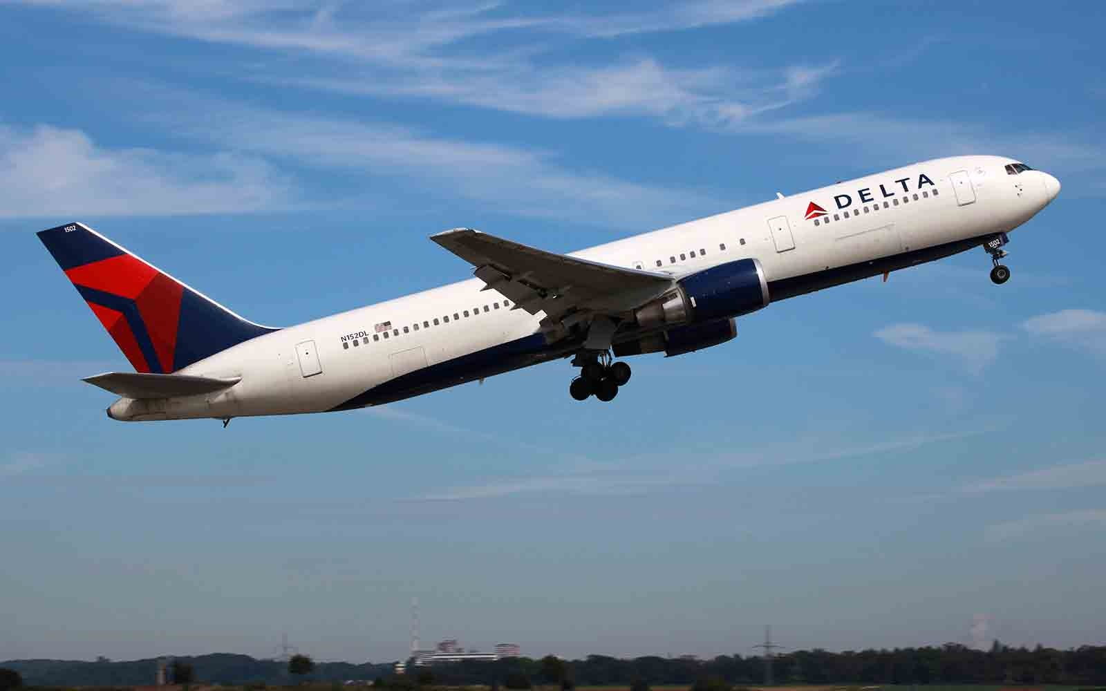 Delta Is Flying Stars To Sxsw On A Party Plane Travel