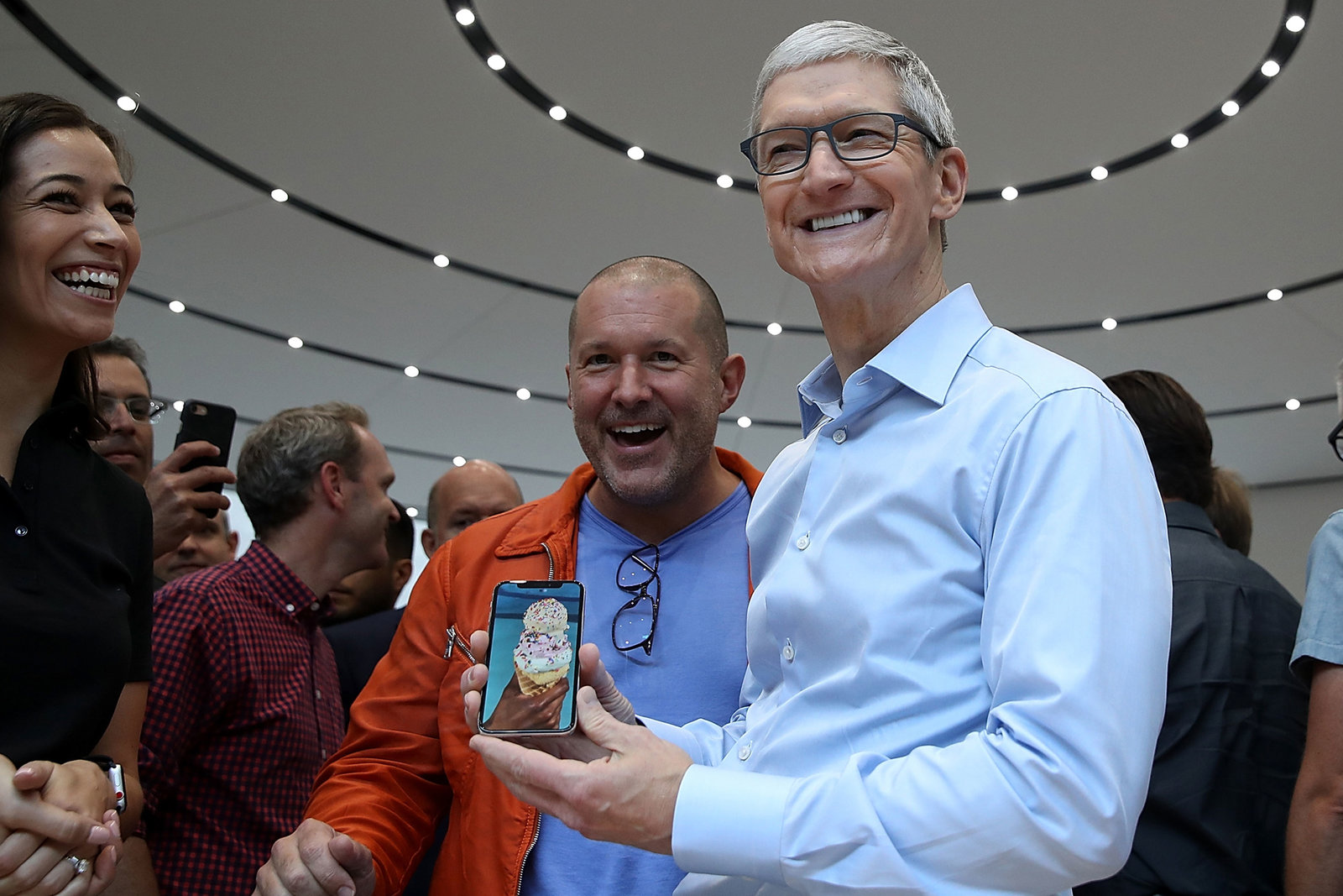 A Bigger iPhone, a New iPad, and the Long-Awaited HomePod: What to Expect From Apple in 2018
