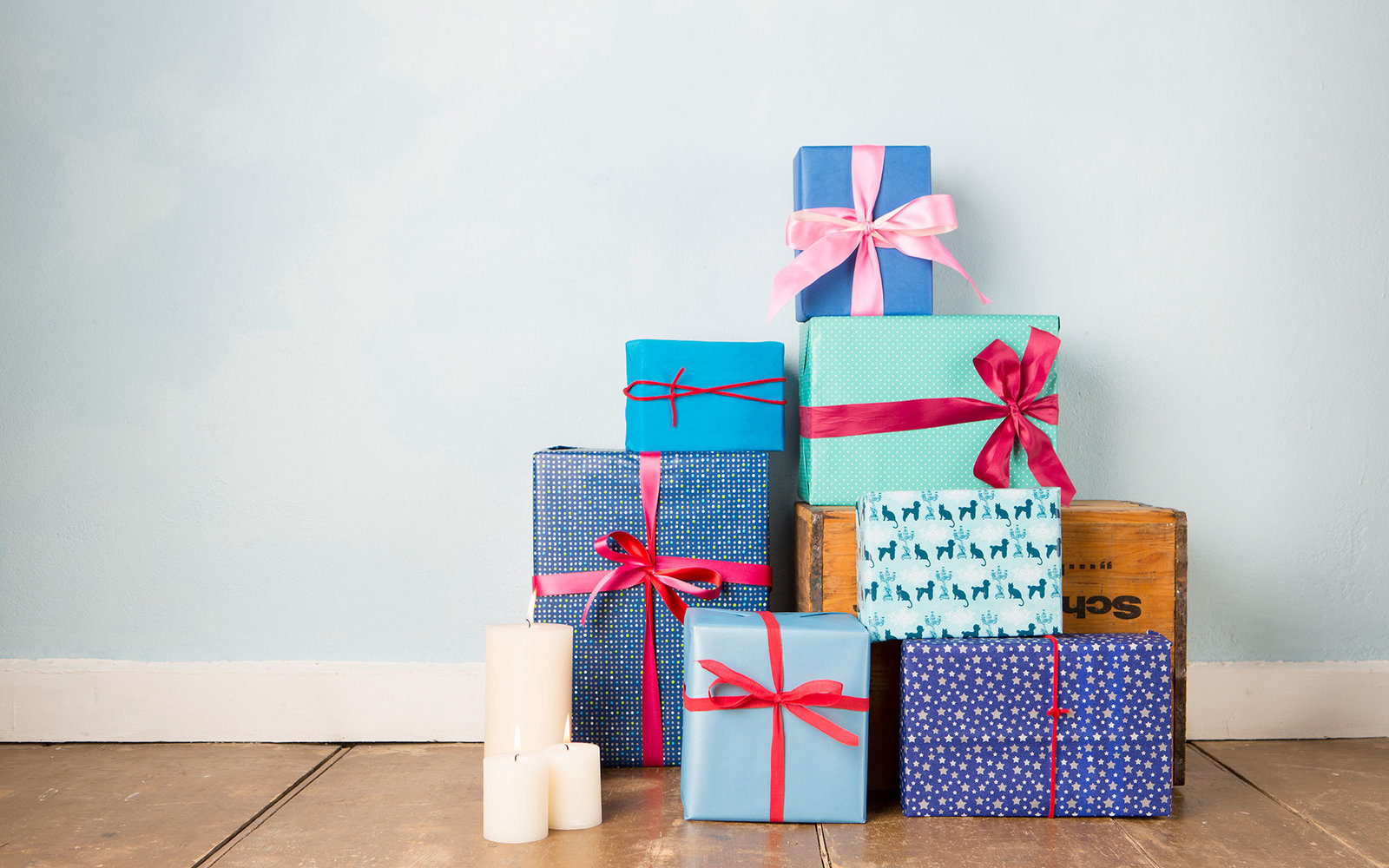 can you bring wrapped gifts through security travel leisure