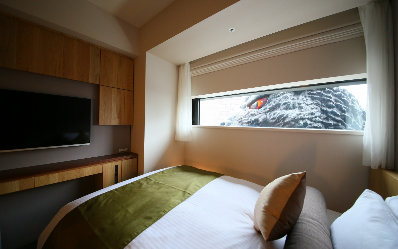 There S Now A Hotel In Tokyo With Zilla Themed Rooms Travel