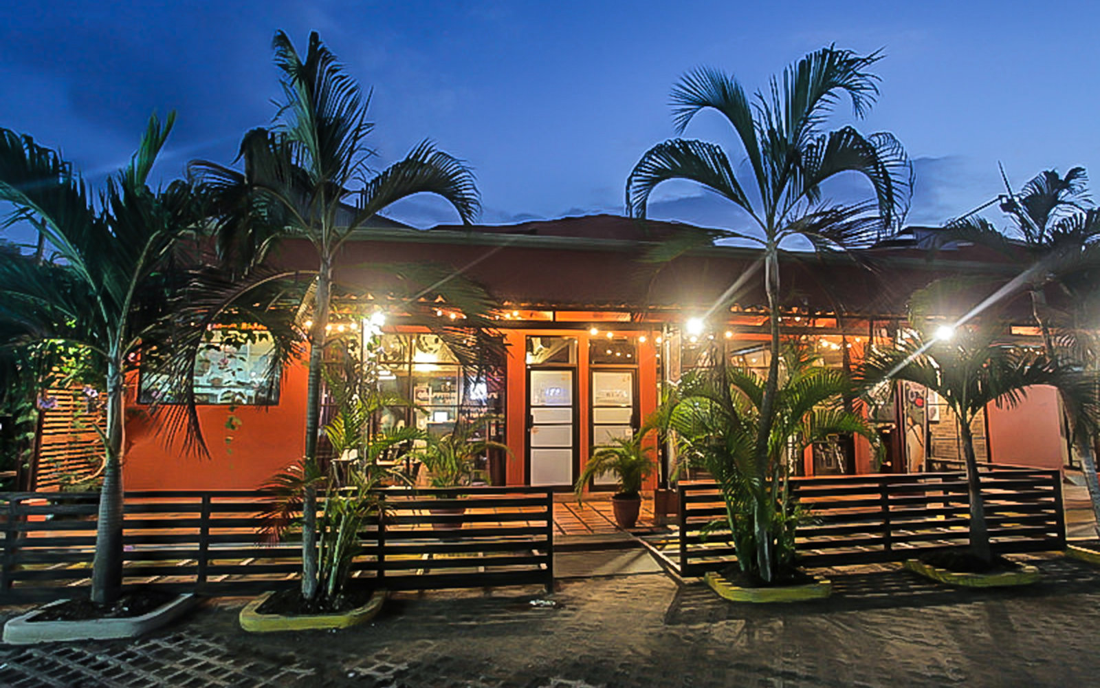 The hookup bar and restaurant costa rica