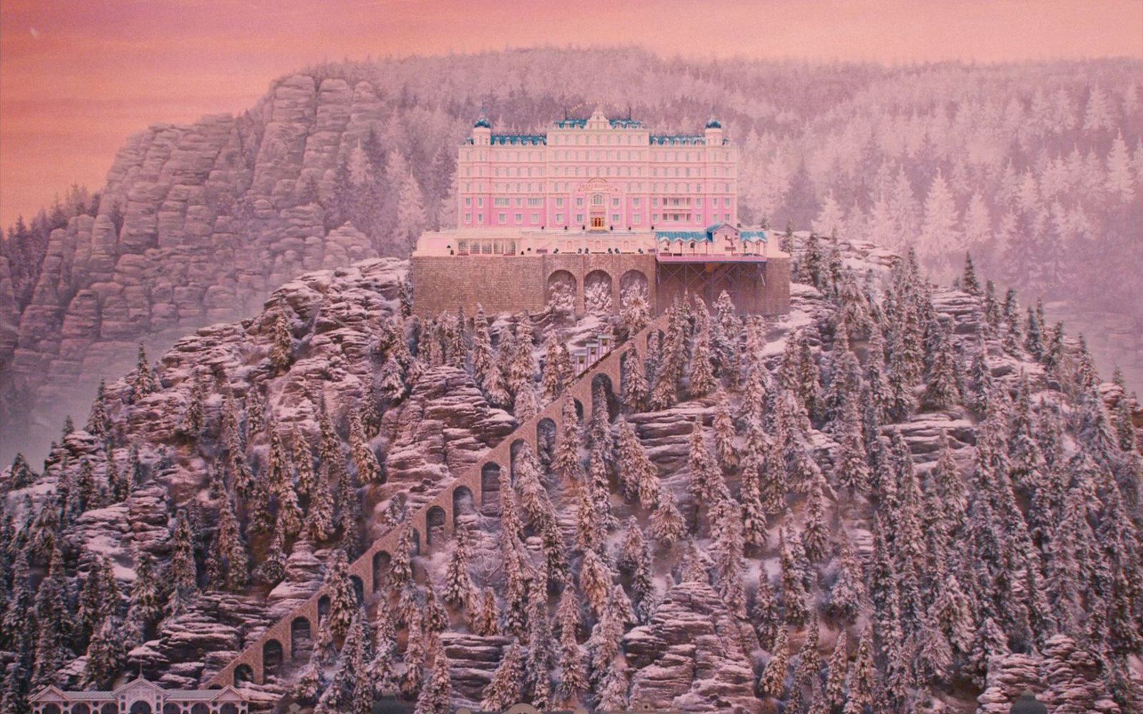 People Are Reviewing 'The Grand Budapest Hotel' on TripAdvisor
