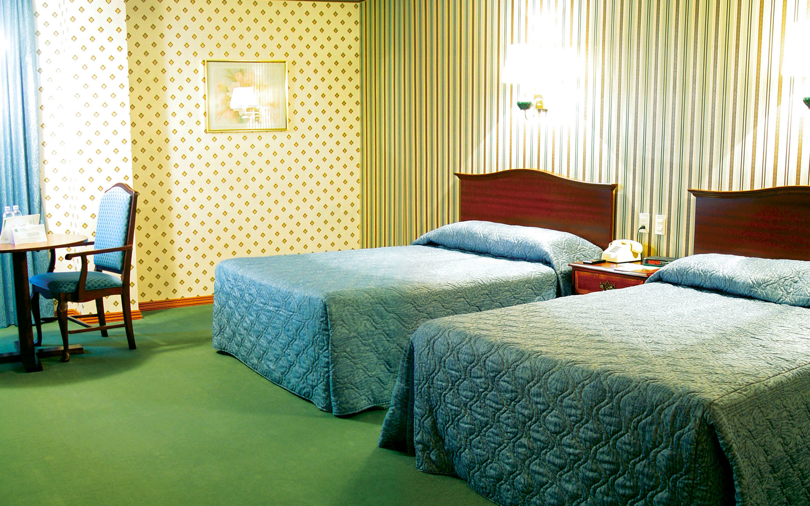 What Should You Do When There's Something Wrong With Your Hotel Room?