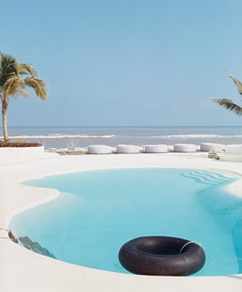 Azúcar's pool, in Veracruz, overlooking the Gulf of Mexico.