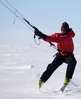 antarctica-kite-ski-200805-ss-article