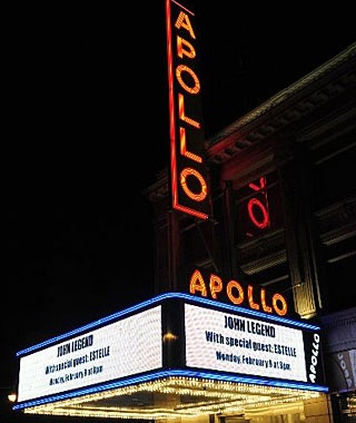 New York: Open-Mike Night at the Apollo Theater