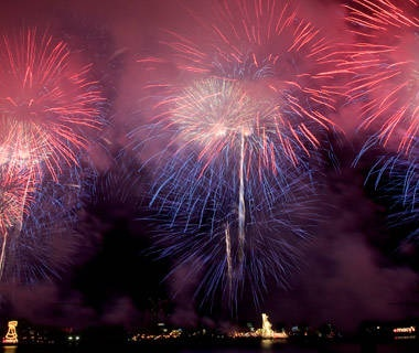 New York City: Macy's Fireworks Display