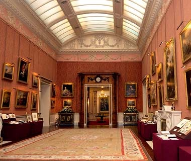 A Private Tour of Buckingham Palace