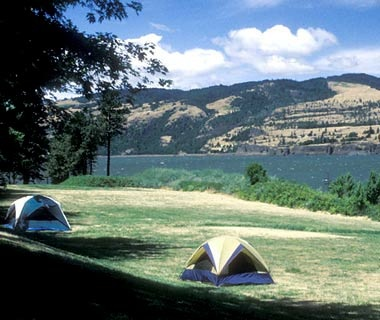 tents at Memaloose Campground in Memaloose State Park, Oregon