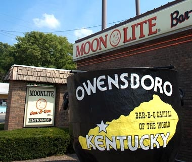 Owensboro, Kentucky: Moonlite Bar-B-Q Inn
