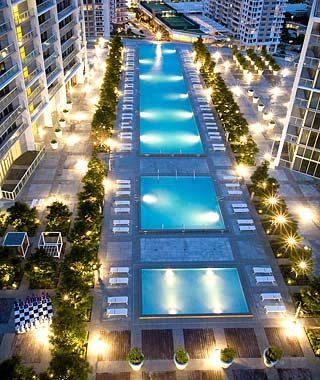 Viceroy Pool at Icon Brickell, Miami