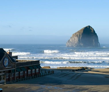 $169: Inn at Cape KiwandaOregon
