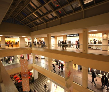 World 39 s top outlet stores travel leisure for Milan factory outlet