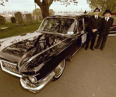 New York City: Morbid Sites in a 1960s Hearse