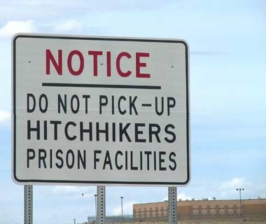 201010-w-funnysigns-hitchhiking