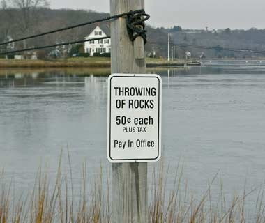 201010-w-funnysigns-rocks