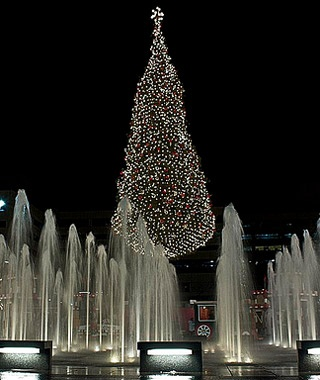 Mayor's Christmas Tree at Crown Center Square, Kansas City, MO