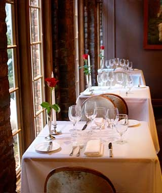 Americas Most Romantic Restaurants Travel Leisure - Table for two restaurant