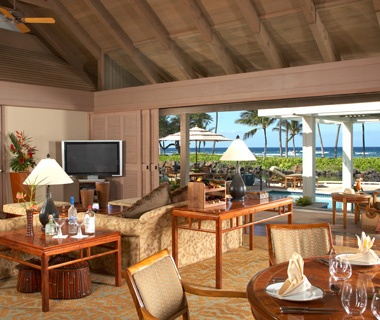 guest lounge at Mauna Lani Bay Hotel & Bungalows on Big Island, HI