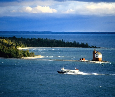 Michigan: Between St. Ignace and MackinacIsland in Lake Huron