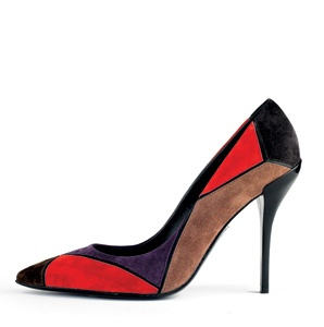 201111-a-stylish-traveler-roger-vivier-shoe