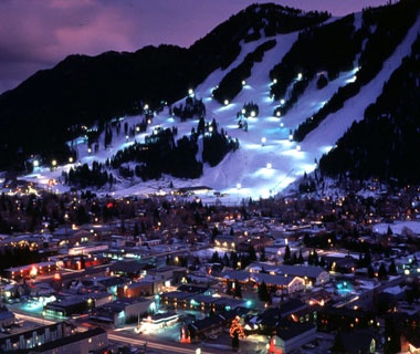 America 39 s prettiest winter towns travel leisure for Best places to visit in winter in usa
