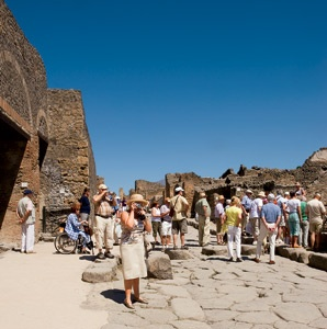 201204-a-features-modern-odyssey-pompeii