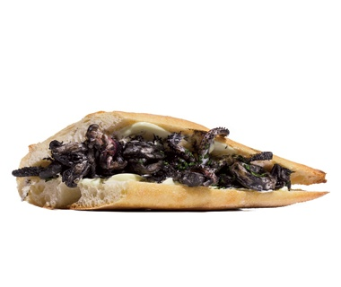 Bocadillo de Calamares en Su Tinta (Squid in Its Own Ink with Aioli), Madrid