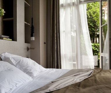 201205-w-best-hotels-in-paris-relais-christine